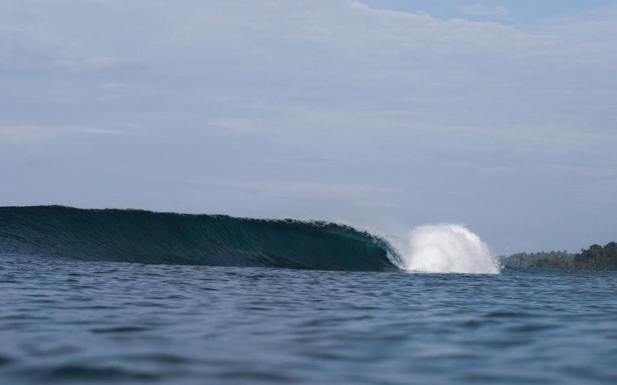 surfing simeulue