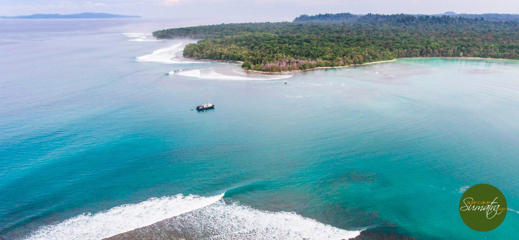 surf charter boat mentawai